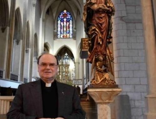 Bischof el. weiht Bistum der Gottesmutter