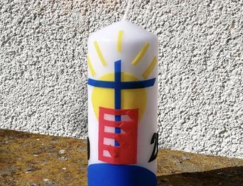 Ein gemeinsames Symbol für Ihre Osterkerze